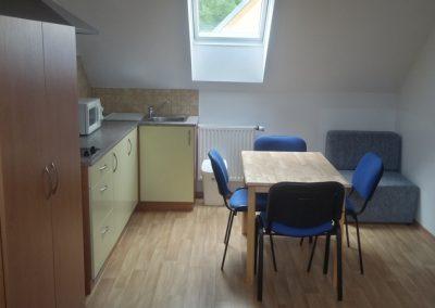 Ubytování Ve Stodůlce Třeboň - Podkroví, pokoj 3 osoby, kuchyňka